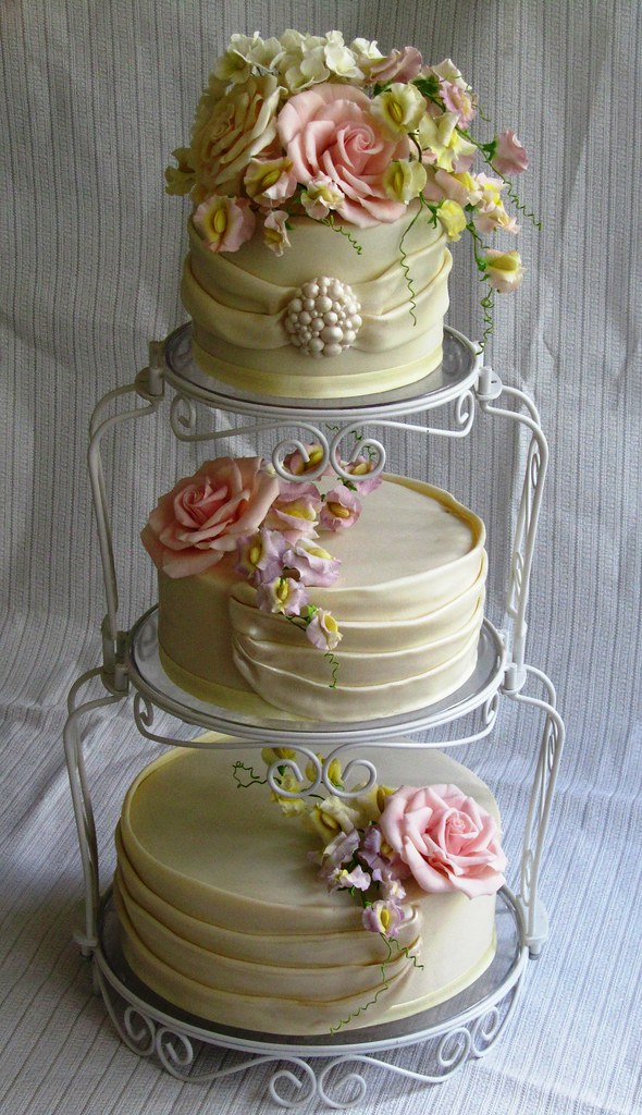wedding cake with sugar roses hydrangeas sweet peas and flickr. Black Bedroom Furniture Sets. Home Design Ideas