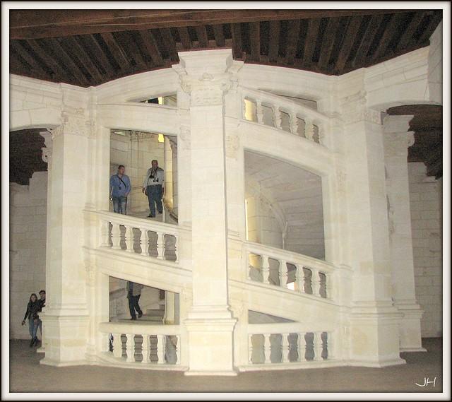 escalier de chambord au centre du ch 226 teau on d 233 couvre le flickr photo