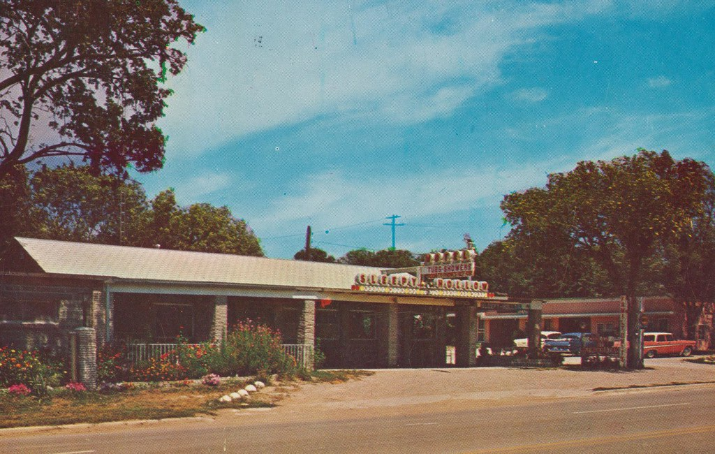Sleepy Hollow Motel - Mankato, Kansas