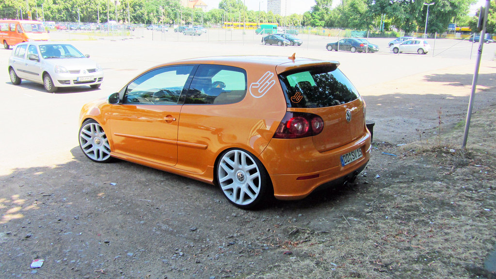 orange vw golf v tuning car folgt meinem auto blog. Black Bedroom Furniture Sets. Home Design Ideas