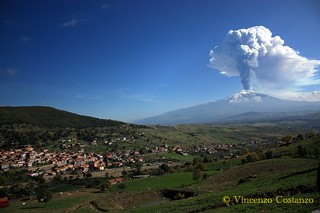 Etna fumante | by vincenzo costanzo