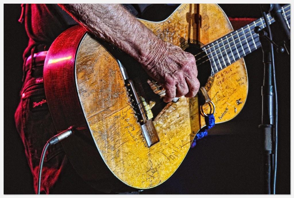 willie nelson 39 s guitar trigger explored 11 15 11 495 flickr. Black Bedroom Furniture Sets. Home Design Ideas