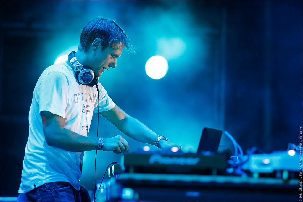 Armin Van Buuren Concert Wallpaper Armin Van Buuren Closing The