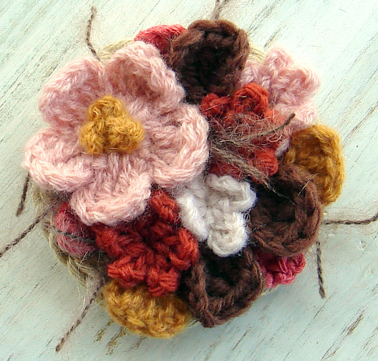 Pink And Brown Flower Brooch Crochet This Flower Brooch Is Flickr
