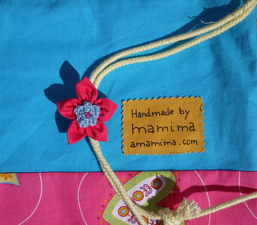 The drawstring bag and the kanzashi flower | by mamima project