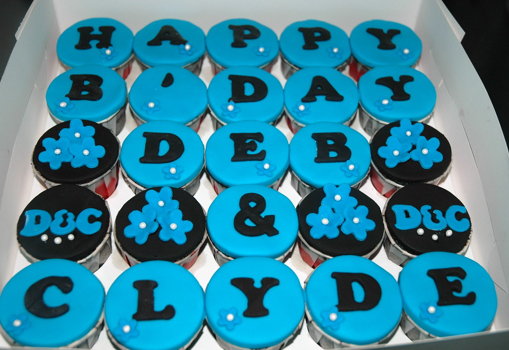 Blue And Black Theme Birthday Cupcakes Dazzling Cakes Flickr