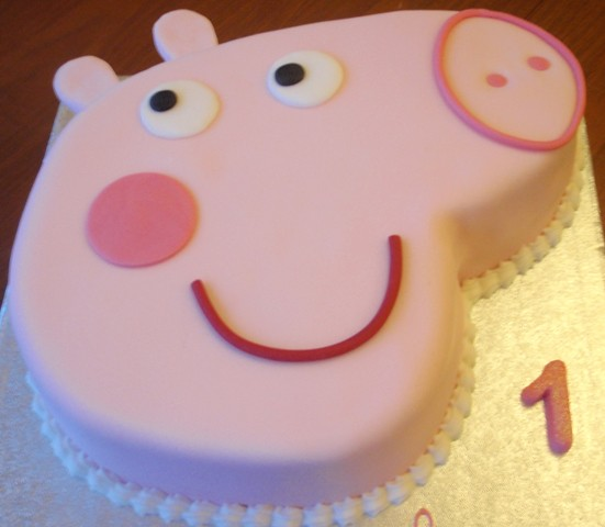 Peppa Pig Cake | A simple but beautiful Peppa Pig Cake for a… | Flickr