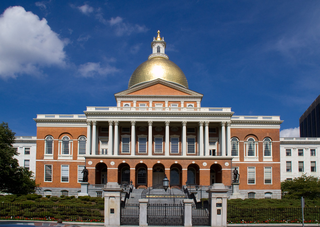 Massachusetts state house tony hisgett flickr for Building a house in ma
