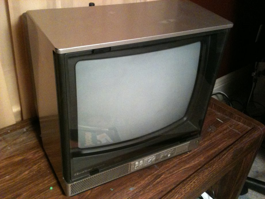 1984 Quasar Dynacolor Tv This Cubey 13 In Tv Has A