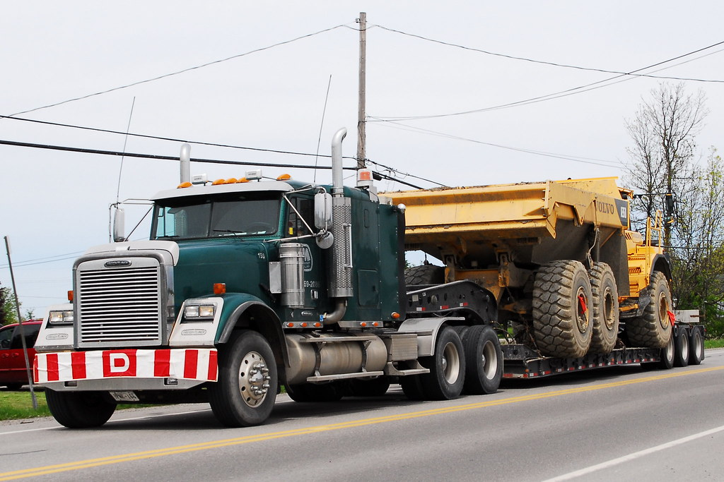 Marathon Drilling 198 Freightliner heavy hauler truck with… | Flickr