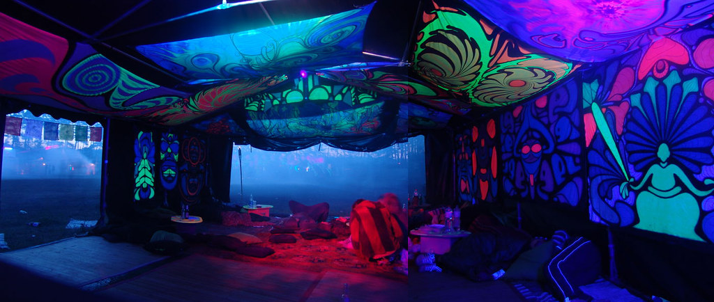 attic room designs tumblr - Psychedelic Circus 2011 pezoid