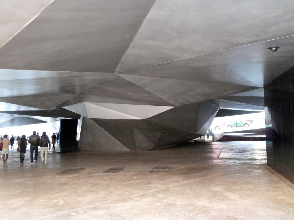 ... (Herzog & De Meuron), Madrid / ES, 2011 | Flickr - Photo Sharing: https://www.flickr.com/photos/william_veerbeek/6299827451