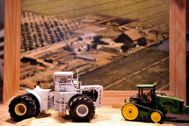 World S Smallest Tractor : Nd model of the worlds largest tractor big bud