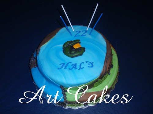 """Halo"" Birthday Cake 