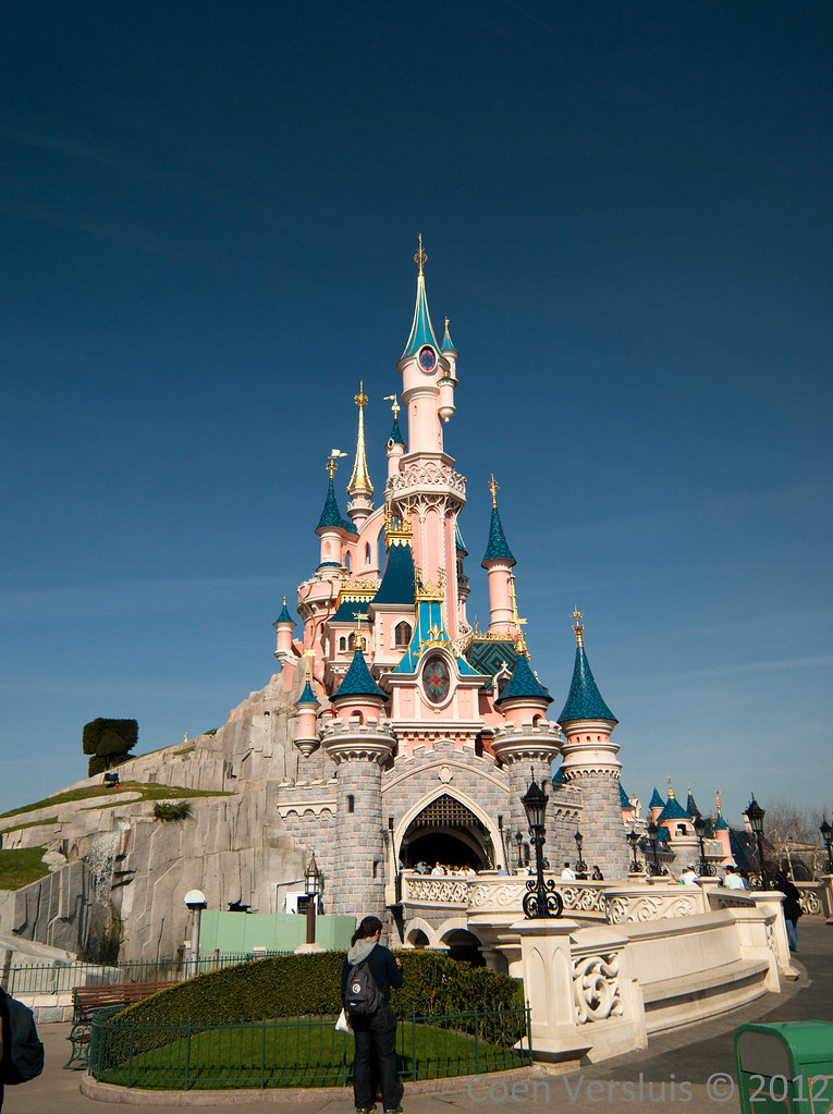 Disneyland Paris Castl...
