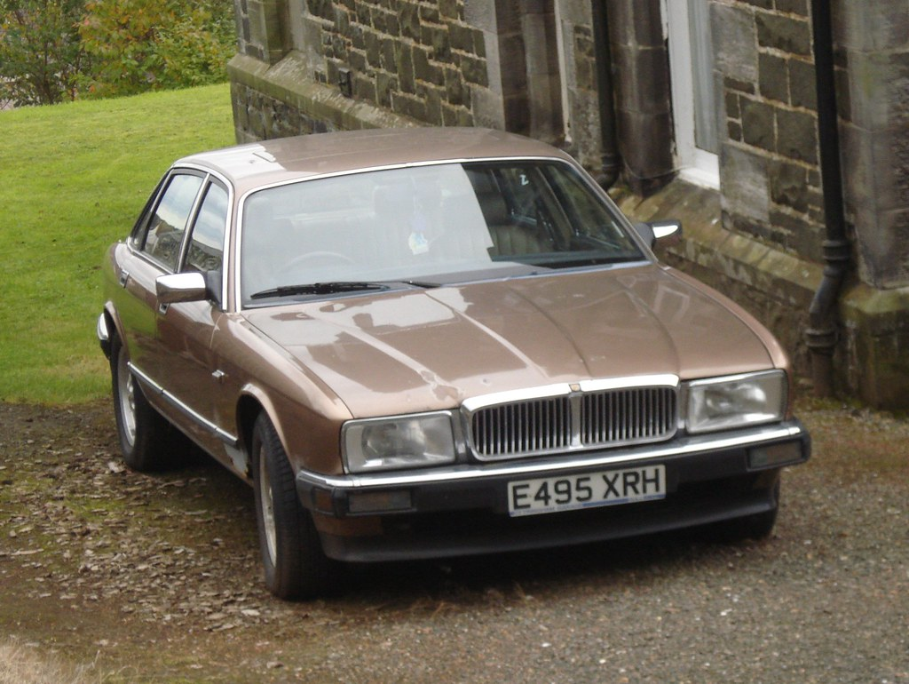 1987-88 Jaguar Sovereign   A fairly early XJ40 in what looke…   Flickr