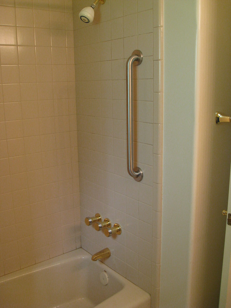tub after safety grab bars installed | Tub/shower after grab… | Flickr
