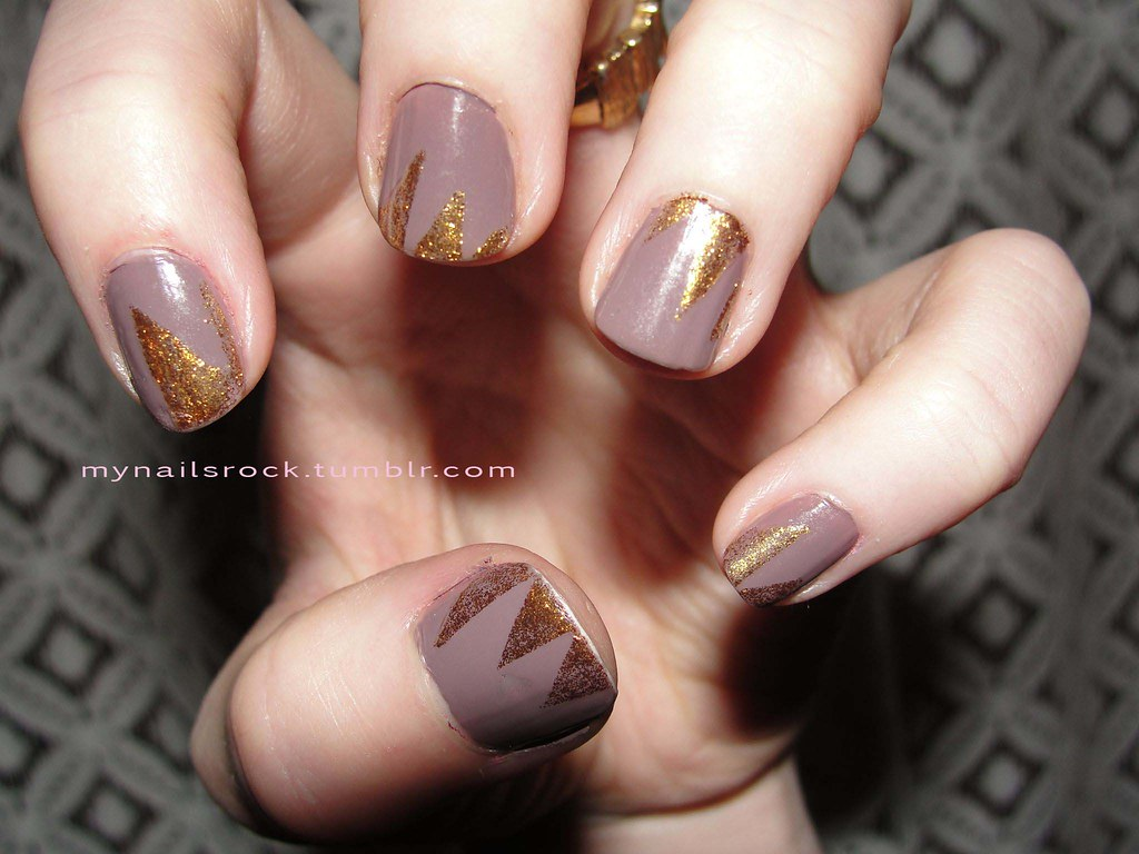 Glittery Gold Spikes Over Grey Nail Art Gold Spikes Over G Flickr