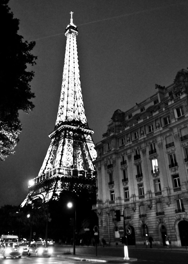 paris city streets and eiffel tower at night paris franc flickr. Black Bedroom Furniture Sets. Home Design Ideas