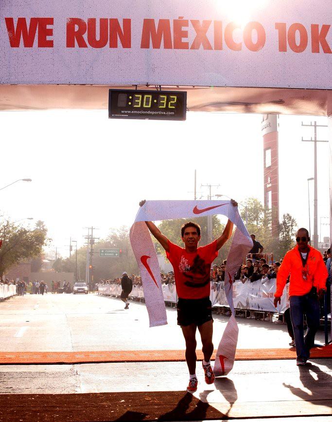 ... Monterrey demostró en la carrera Nike We Run 2011 que corriendo somos  más  6b8fc21238167