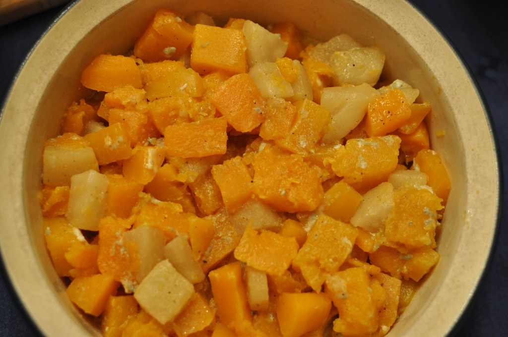 Butternut squash | with pears, maple syrup and gorgonzola ch ...