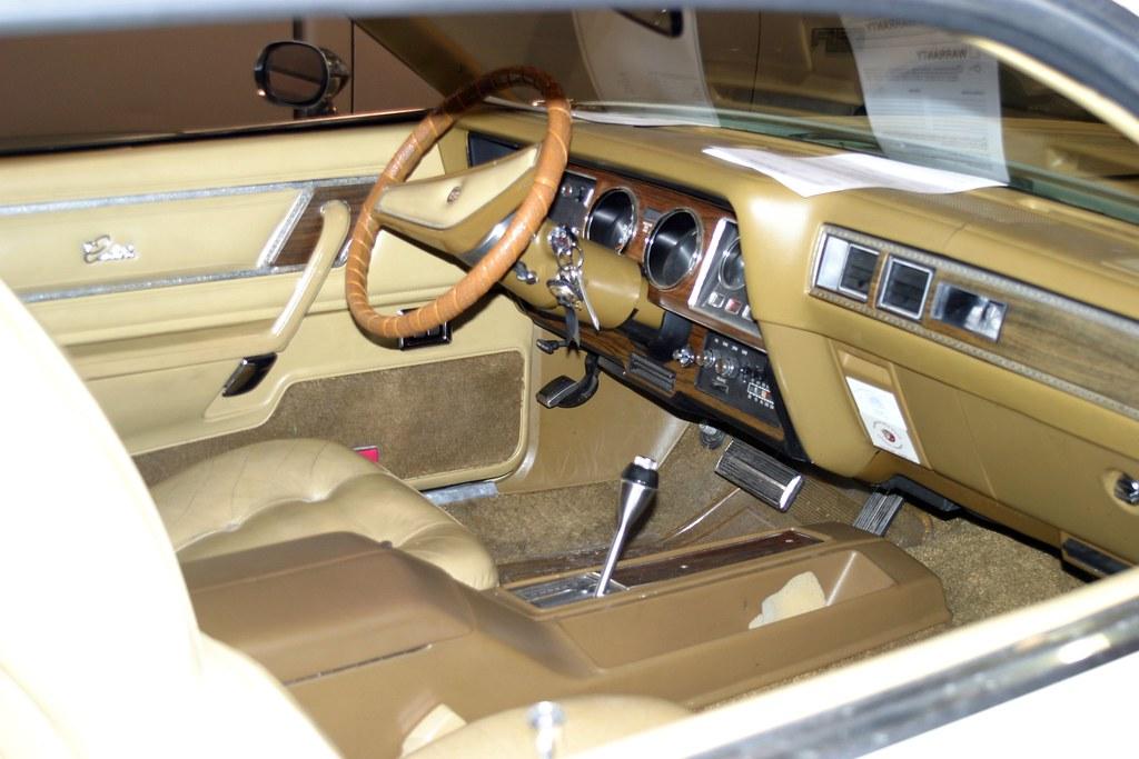 1975 chrysler cordoba coconv flickr for Seat cordoba interior