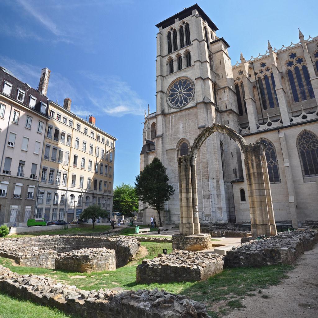 Jardin arch ologique de st jean vestiges de l 39 abside de for Jardin zoologique de lyon
