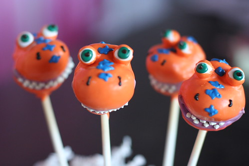 Buddy the Dinosaur Cake Pops | by Sweet Lauren Cakes