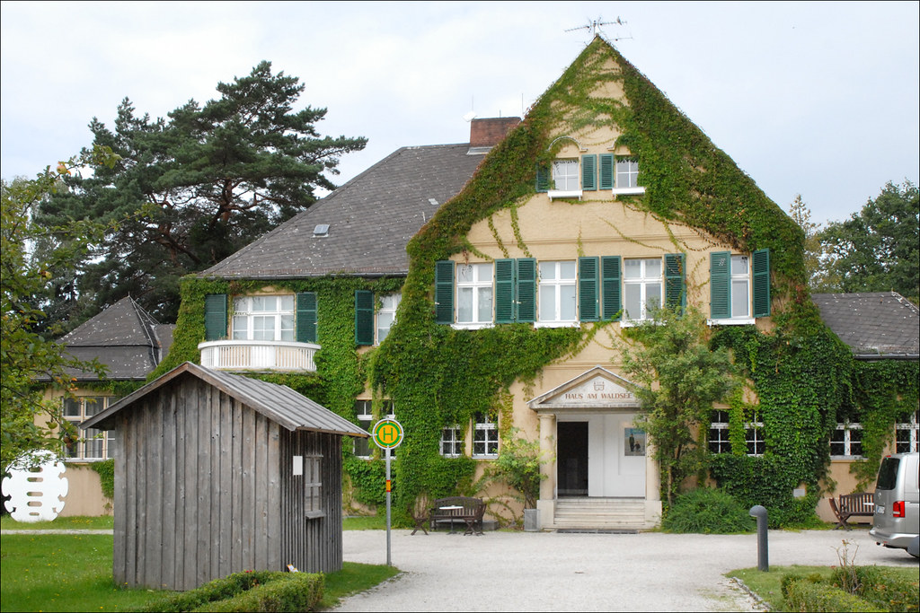 le centre d 39 art haus am waldsee berlin le jardin de sc flickr. Black Bedroom Furniture Sets. Home Design Ideas