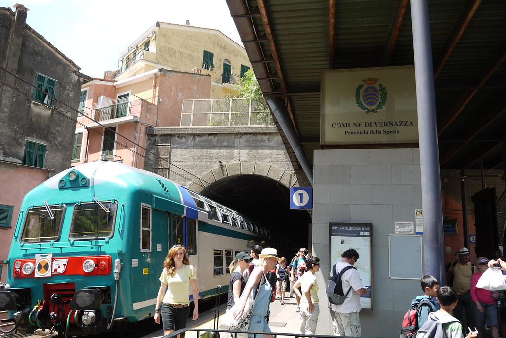 Vernazza train station