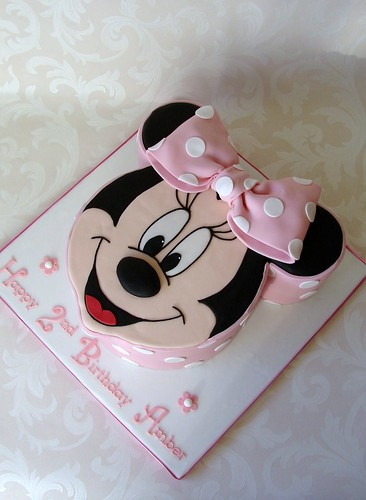 Minnie Mouse Cake for Amber | by RubyteaCakes