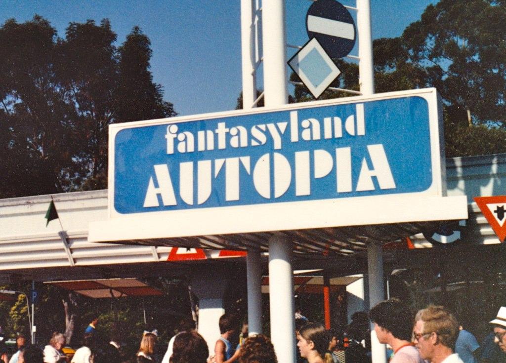 Fantasyland Autopia '81 | Here's another extinct ...