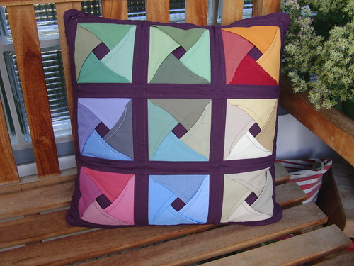 BerlinModernQuiltGuild-Challenge - My Pillow Front A | by ayliN--Nilya