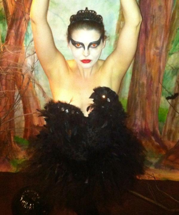 black swan halloween costume by edikeskin