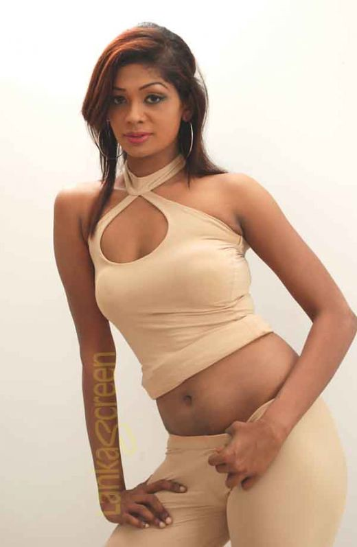 Srilankan girls naked pics very hot