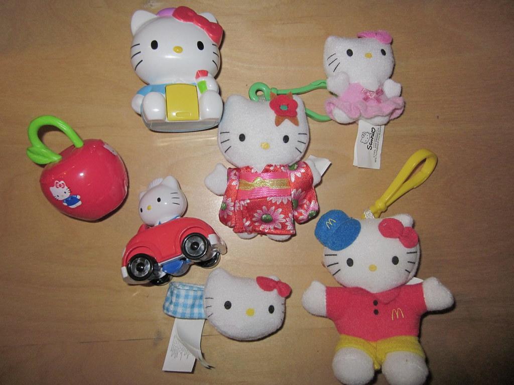 Hello Kitty Mcdonald S Toys : Mcdonald s korea unveils hello kitty themed dolls