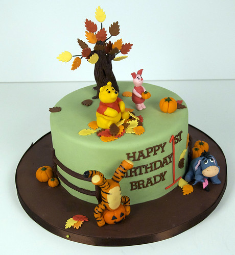 fall winnie the pooh birthday cake toronto | by www.fortheloveofcake.ca
