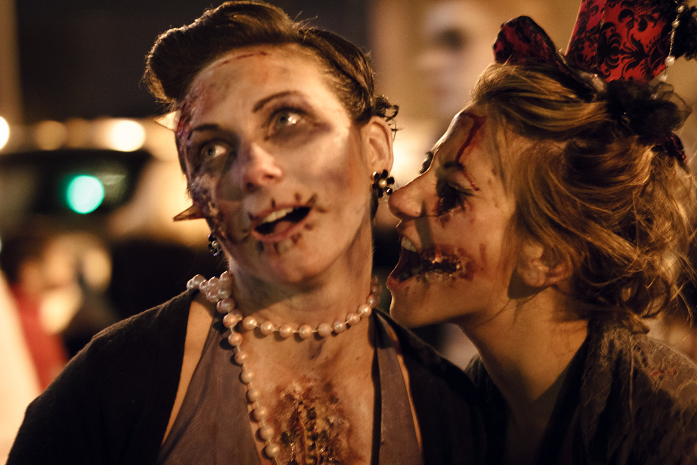 Zombie Lesbian 8
