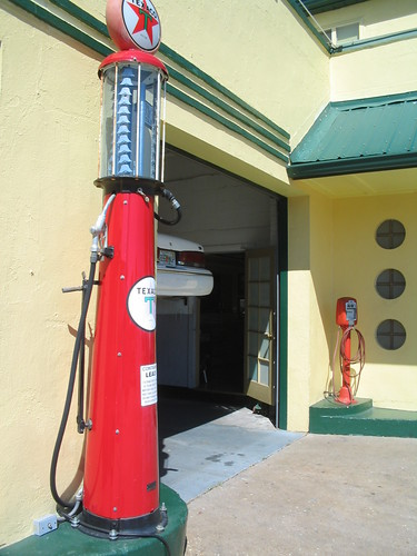 vintage texaco gas pump this old gas station had much to flickr. Black Bedroom Furniture Sets. Home Design Ideas