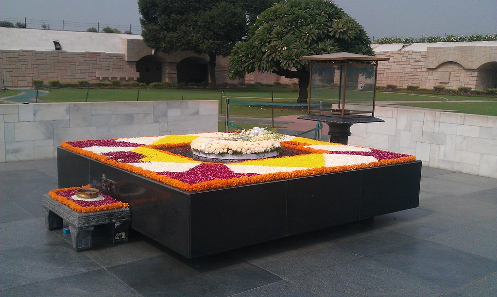 Ryan >> Gandhi's tomb at Raj Ghat | Ryan McBride | Flickr