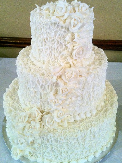 ivory old fashion wedding cake 120 flickr photo sharing. Black Bedroom Furniture Sets. Home Design Ideas
