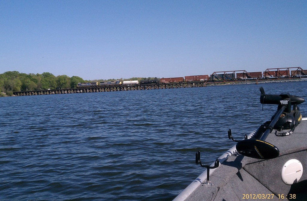 Csx from boat on lake greenwood sc 20120327 by mrk flickr for Lake greenwood sc fishing report