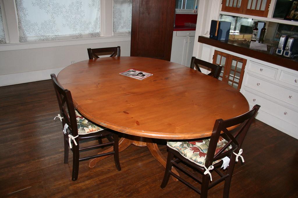 Pottery Barn Sumner Pedestal Dining Table Please Ca Flickr - Pottery barn sumner dining table