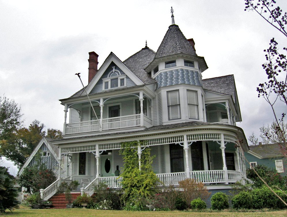 Victorian house with tower north hill pensacola florida for Tower house for sale