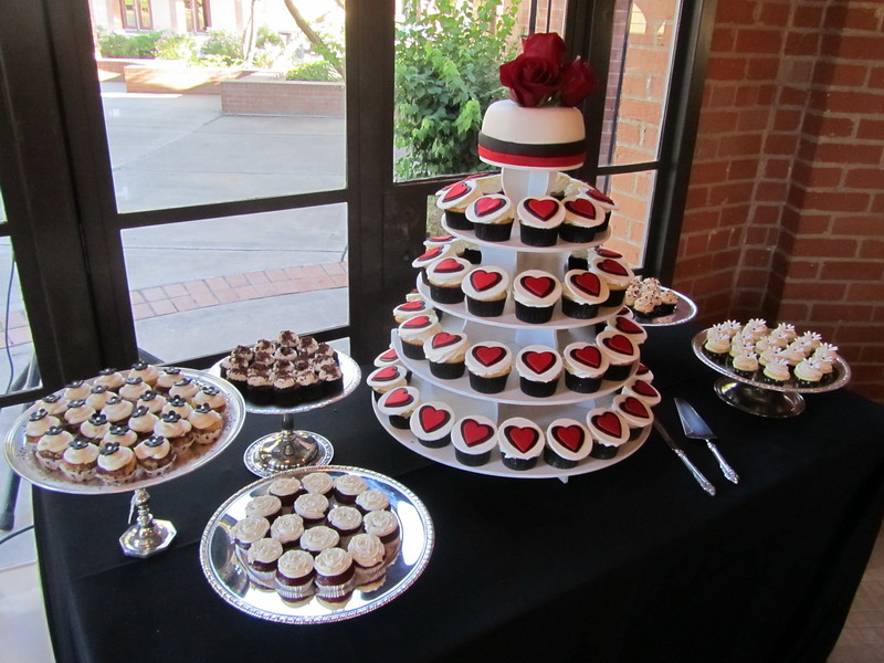 Red Black and White Wedding Cupcake Table The tower feat Flickr