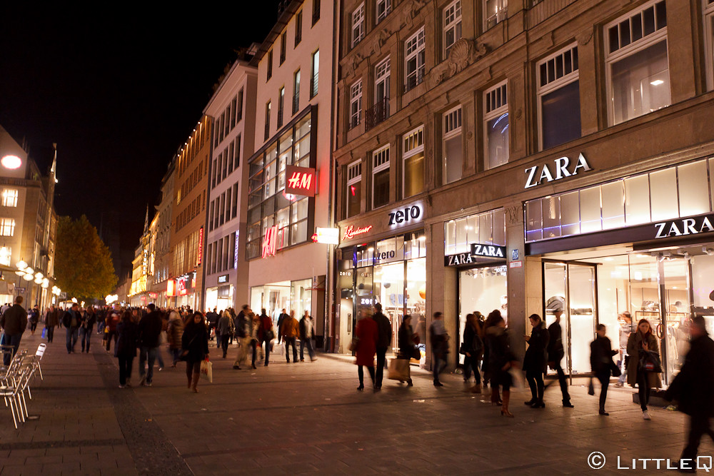 zara and h m in marienplatz munich zara was open in taiw flickr. Black Bedroom Furniture Sets. Home Design Ideas