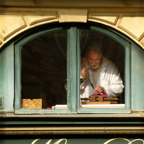 PARIS: artisan relieur place Dauphine | by Boccacino