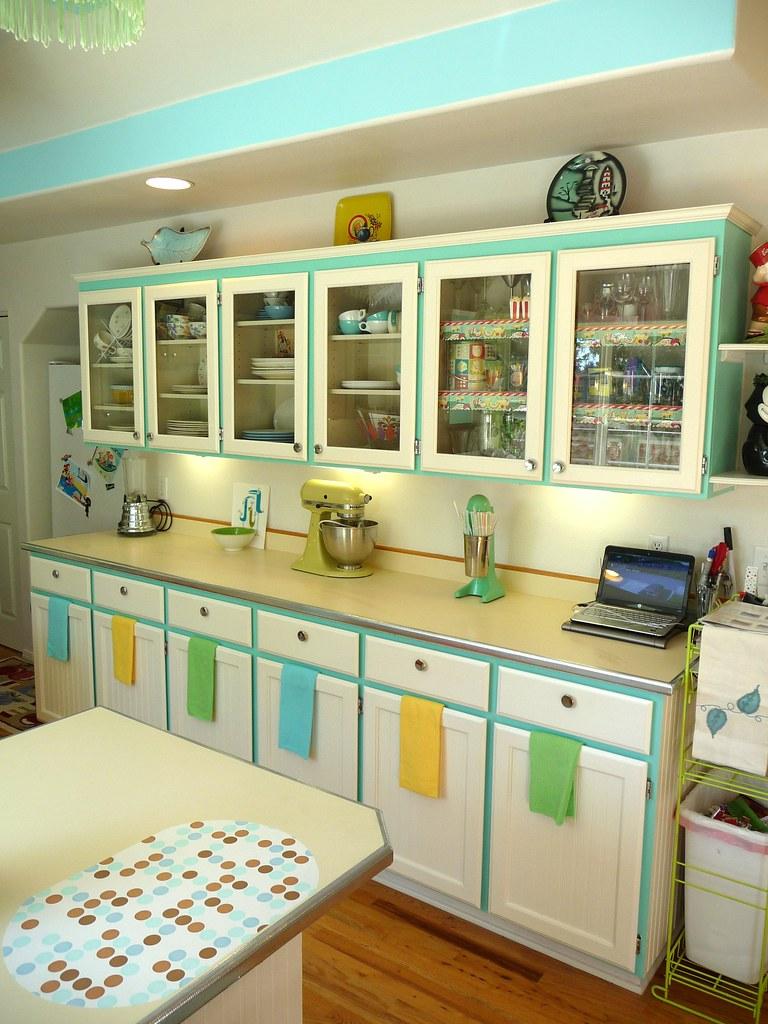 Next new counter tops lora jabot flickr for Hygena vintage kitchen units