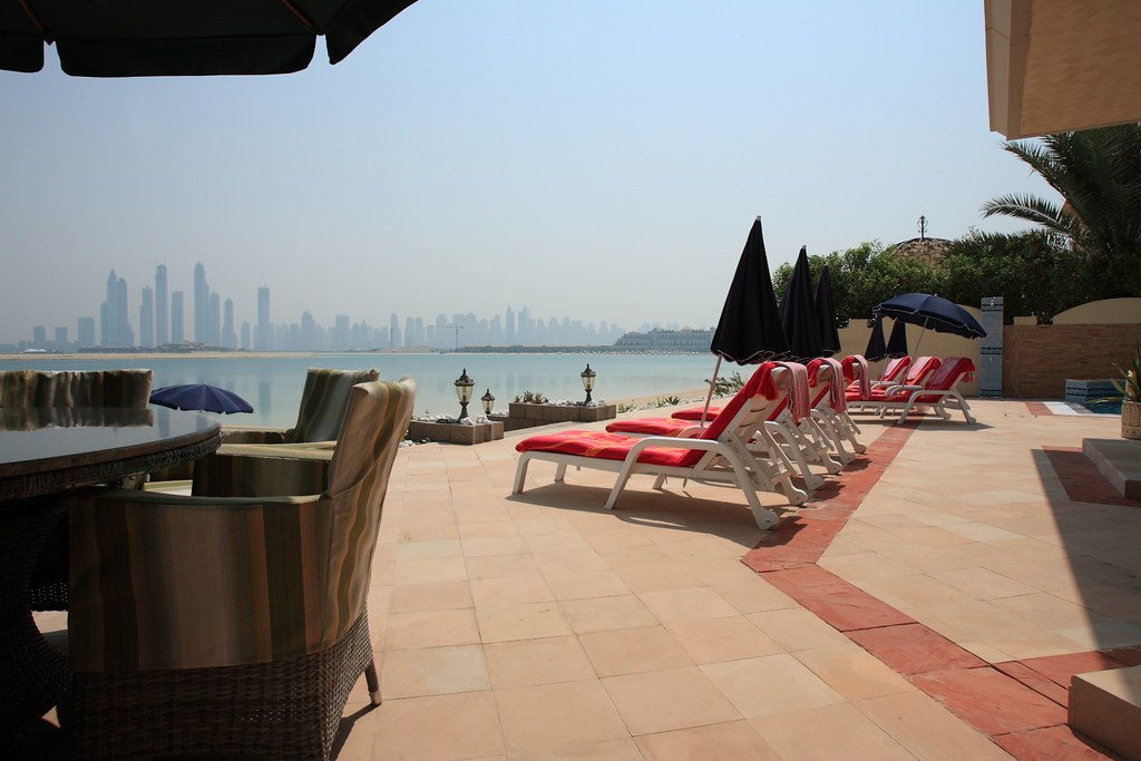 Dubai Villas For Rent With Pool