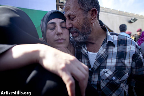 Release of prisoners, Ramallah, 18.10.2011. | by activestills